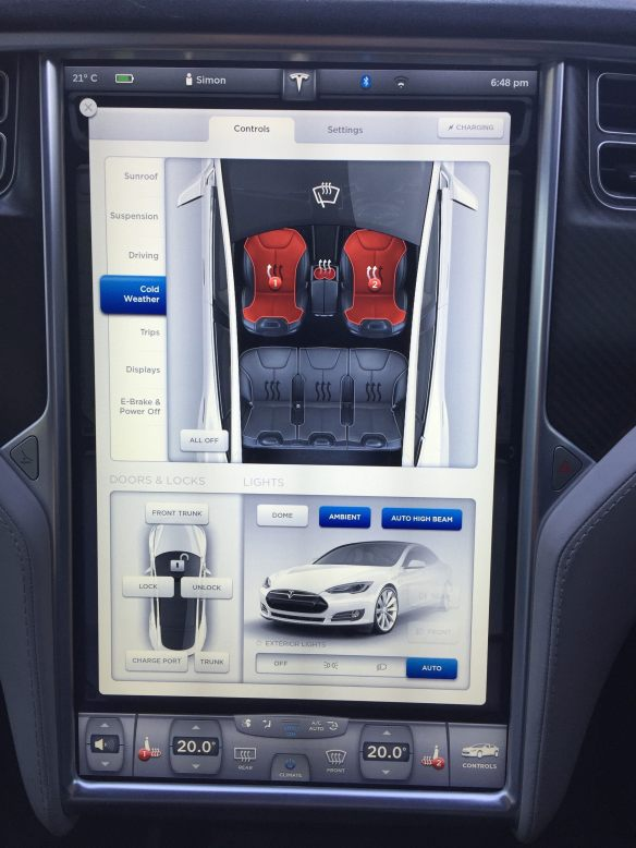 Model S Cup Holder in heating mode