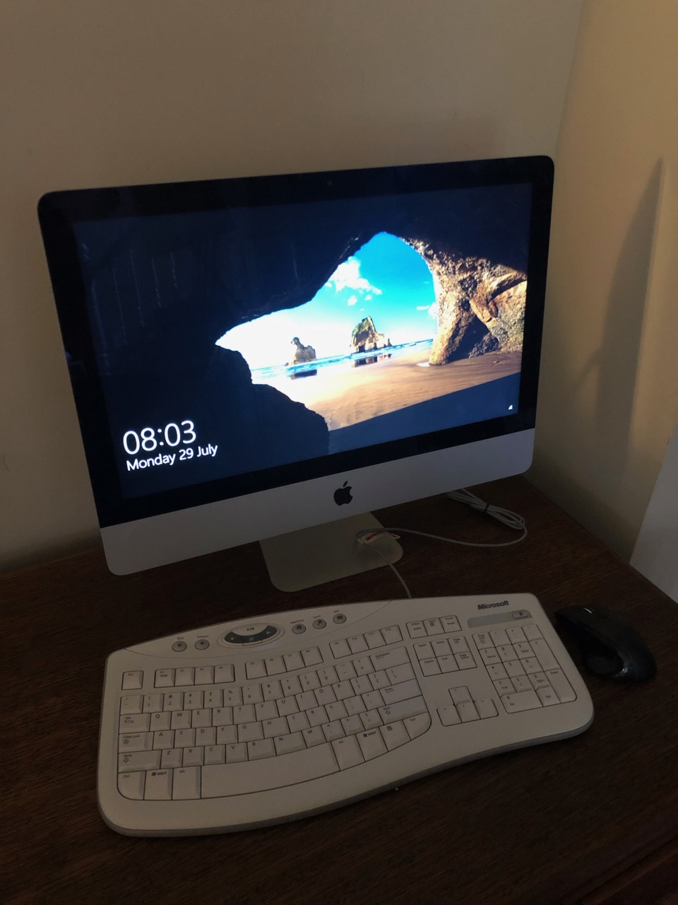 Windows-iMac-running